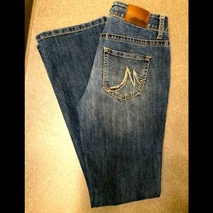 Maurices bootcut Jeans size 1/2